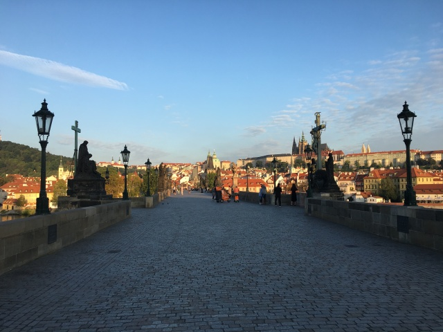 charles_bridge_empty